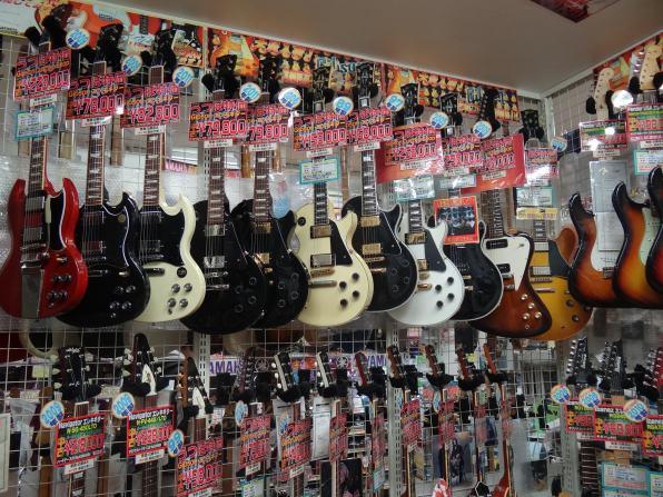 高額ギターを購入希望の方はお急ぎ下さい!!