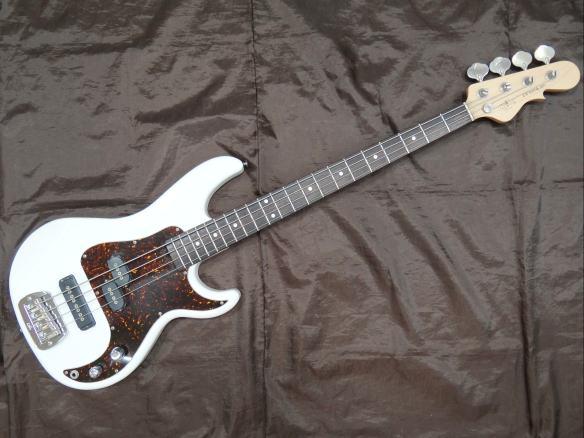 G&L ベースギター Premium SB-2R/WH
