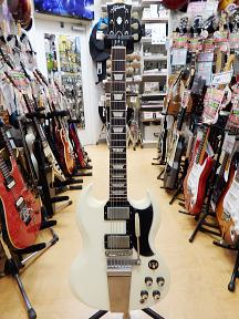 Gibson SG Maestro.JPG