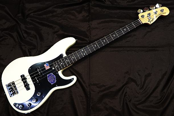 Fender USA ベースギター American Deluxe/PB N3/OW