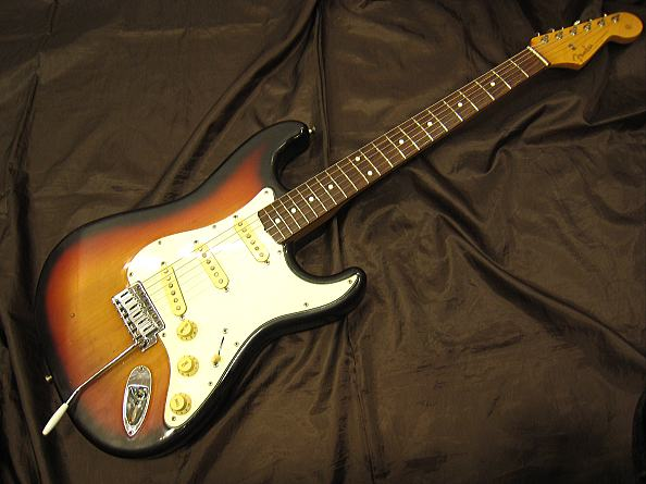 FENDER JAPAN エレキギター ST62DMC-66/3TS